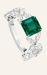 diamond and emerald high jewellery ring