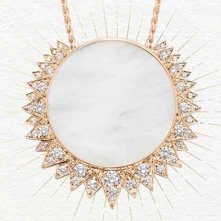 Diamantanhänger aus Roségold und weißem Perlmutt