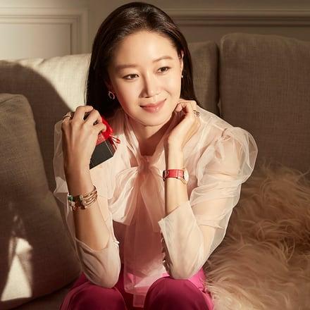Kong Hyo-Jin wears Piaget luxury gifts