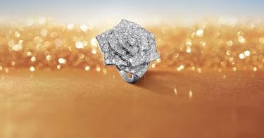 Bague en or blanc et diamants pour femme
