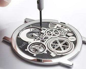 Ultraflache Schweizer Uhr von Piaget