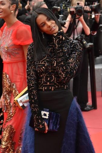 Shy'm porte des créations joaillières Piaget à Cannes