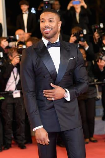 Michael B. Jordan porte une montre Piaget Altiplano en or blanc à Cannes