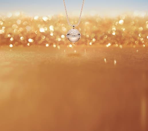 Rose gold diamond pendant for women